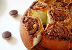 Cinnamon and Coriander: Sticky Toffifee Buns