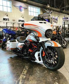 Custom Baggers, Custom Harleys, Custom Bikes, Harley Davidson Street Glide, Harley Davidson Touring, Motorcycle Types, Motorcycle Bike, Harley Bikes, Chopper Bike
