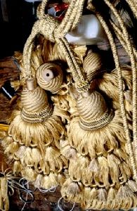 ` Love these decorative tassels...