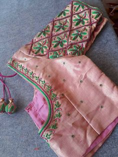 Brocade Blouse Designs, Kids Blouse Designs, Saree Blouse Neck Designs, Bridal Blouse Designs, Blouse Patterns, Embroidery Works, Embroidery Stitches, Embroidery Designs, House Of Blouse