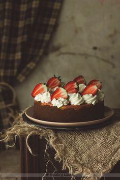 Kanela and Lemon: cheesecake and strawberries Sweet Pizza, Strawberry Tart, Custard Recipes, Rustic Cake, Pastry Cake, Love Chocolate, Cake Shop, Love Is, Love Cake