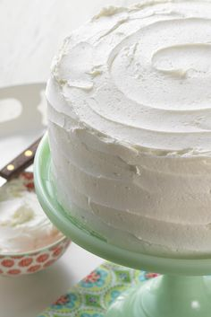 Easy Vanilla Buttercream Frosting - easy to make and sturdy for frosting cupcakes or layer cakes.