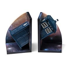 If you display these Doctor Who bookends together with something thin, such as a prized Doctor Who comic book, between them, it looks like the TARDIS is passing through the literature.