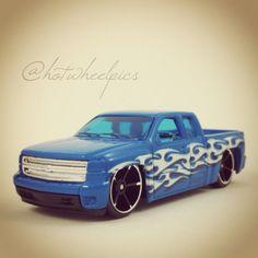 #132 - Chevy Silverado - 2014 Hot Wheels - HW Off-Road - Hot Trucks