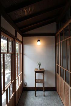 """松本市・美ヶ原温泉にある昭和三年開業の木造旅館の別館客室・渡り廊下の改装です。ご家族の手により大切に守られてきた建物と庭。これらを最大限に生かし、これまでの金宇館の歴史に逆らうことのない改装を心がけました。 落ち着いた客室からは手入れの行き届いた庭の景色を楽しむことが出来ます。 金宇館さんのホームページは<span style=""""color: #3366ff;""""><a style=""""color: #3366ff;"""" href=""""http://kanaukan.com/"""">こちら</a></span> 工事中やその後の様子は<a href=""""http://kitamurasekkei.net/tag/%e3%80%8c%e7%be%8e%e3%83%b6%e5%8e%9f%e6%b8%a9%e6%b3%89%e3%80%8..."""