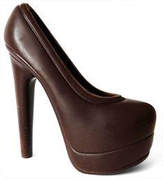 chaussure en chocolat - Recherche Google Peep Toe, Barbie, Platform, Heels, Funny Food, Recherche Google, Addiction, Fashion, Budget
