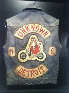 Hell's Union displays vintage motorcycle club cuts from the collection of Jeff Decker Outlaws Motorcycle Club, Motorcycle Vest, Motorcycle Clubs, Biker Clubs, Biker Patches, Love Car, Vintage Bikes, Cool Bikes, Harley Davidson