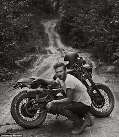 David Beckham, soccer/football Athlete, getting dirty with his Triumph Scrambler. [ more photos for the ladies ] Triumph Bonneville T100, Triumph Scrambler, Triumph Motorcycles, Scrambler Motorcycle, Women Motorcycle, Motorcycle Helmets, Honda Bobber, Classic Motorcycle, Honda Cb750