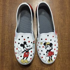 28 Best ShoesAreMyCanvas images | Hand painted shoes