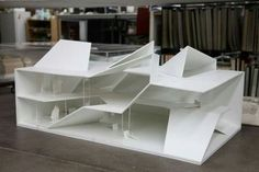 builds 'folding house' for CAMERICH Model for the 'folding house' at Shanghai furniture expo by Standardarchitecture.Model for the 'folding house' at Shanghai furniture expo by Standardarchitecture. Folding Architecture, Concept Architecture, Interior Architecture, Folding House, Shanghai, Arch Model, Booth Design, Design Model, Ramp Design