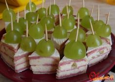 Yummy Appetizers, Appetizers For Party, Appetizer Recipes, Tea Time Snacks, Party Snacks, Czech Recipes, Brunch Buffet, Food Decoration, Savory Snacks