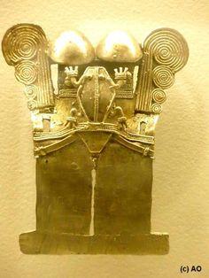 """El Museo del oro y la leyenda de """"El Dorado"""" / Bogotá / COLOMBIA Viajes Erráticos Colombian Art, Ancient Artefacts, Frog And Toad, Sacred Geometry, Prehistoric, Archaeology, Metal Working, Jewelry Art, Egypt"""