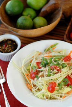 Thai Spicy Green Papaya Salad, Siam Sunray cocktail and The Perfect Buddha | Boulder Locavore