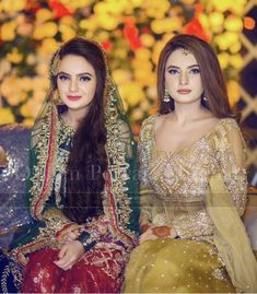 Bride with her sister at her sisters mayun ( new trend of wearing green or darker colors on mayun🤔) nonetheless they both looks amazing