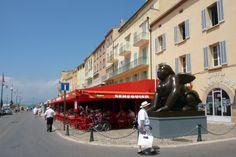 St Tropez- Fameux bar