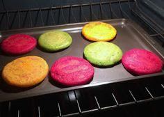 Les debía estas arepas de colores desde hace rato y como el segundo sábado de septiembre es el Día Mundial de la Arepa , pues decidí p...