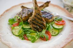 Grilled Lamb Cutlets, Yoghurt & Mint Tzatziki: A beautiful fresh meal for a warm summers night 15 Minute Dinners, Grilled Lamb, Midweek Meals, Yummy Food, Tasty, What To Cook, Bbq Ideas, Meal Ideas, Dinner Ideas