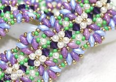 Materials for this bracelet. - Swarovski Pearl 3mm. - Swarovski Bicone 4mm.  - Superduo 2.5 x 5mm. (Two colors) - 11/0 Miyuki Rocailles seed beads (Two colors) - Nymo Thread D or your favorite thread. Tutorial - Ayesha Bracelet