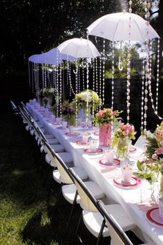 Baby Shower Decor- oh, so cute!!!! Someone PLEASE does this for me! Lol