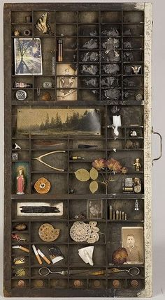 It will look good with some old family pictures and keepsakes displayed in it. Hellbox Series: No. 1 mixed media assemblage with photography, 2006 Shadow Box Kunst, Shadow Box Art, Letterpress Drawer, Printers Drawer, Old Drawers, Deco Originale, Altar Decorations, Assemblage Art, Type Setting