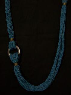 Use a t shirt Rope Jewelry, Macrame Jewelry, Fabric Jewelry, Jewelry Crafts, Jewelery, Handmade Jewelry, Knitted Necklace, Beaded Necklace, Necklaces
