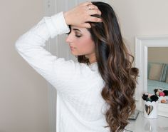 Balayage highlights on dark hair for Spring and Summer 2016 using tones of chestnut and honey. The perfect highlights for brunettes using foil and freehand. Chestnut Highlights, Honey Highlights, Dark Hair With Highlights, Brunette Highlights, Balayage Highlights, Brunette Hair, Hair Color 2016, New Hair Colors, Hair 2016