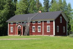 Northern Ostrobothnia province of Finland, - Pohjois-Pohjanmaa Home Id, Swedish House, Swedish Design, Wooden House, Scandinavian Home, Little Houses, Architecture Details, Cottage Style, Old Houses