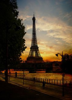 sunset in Paris I would love to go bck to Paris someday!!!!  We had lunch on the top of the tower!!! gorgeous view!!!!