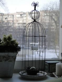 Wire Crafts, Diy And Crafts, Watercolor Wallpaper, Shabby Chic Crafts, Bird Cages, Chicken Wire, Wire Baskets, Metal Tins, Wire Art