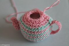 Crocheted teapot pattern