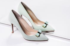 LEI É - Romántica - #Zapatos de #Boda #Tacón #Lazos #Piel #Aguamarina #Bridal #Shoes #Wedding www.leie.es