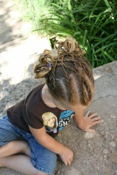 Can't wait till my daughter's hair grows longer so I can do this to her hair! so cute!