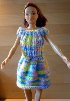 Kniting a new dress for Lammily - Tricoter une nouvelle robe pour Lammily - tuto gratuit - free tutorial - Une semaine à Paris-Forêt