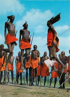 Almost a meter off the ground! Maasai People, Africa People, Africa Tribes, East Africa, African Culture, African History, Black History Facts, Art History, Afrique Art
