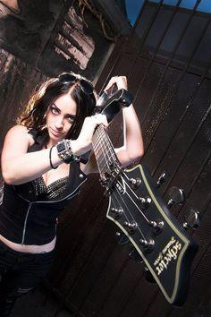 las 11 mejores im genes de nikki stringfield en 2013 chica de metal chica guitarra y guitarras. Black Bedroom Furniture Sets. Home Design Ideas