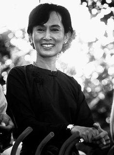 Aung San Suu Kyi, AC (Burmese: အောင်ဆန်းစုကြည်; MLCTS: aung hcan: cu. krany, Burmese pronunciation: [àʊɴ sʰáɴ sṵ tɕì]; born 19 June 1945) is a Burmese opposition politician and the General Secretary of the National League for Democracy.
