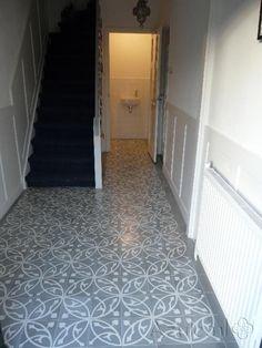 Cement tiles Hall - Oval Gris - Egal Gris S7005 - Project van Designtegels.nl