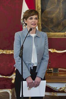 Pamela Rendi-Wagner – Wikipedia Austria, Blazer, Health, Jackets, Women, Style, Fashion, Down Jackets, Salud