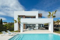 5 room luxury Villa for sale in Estepona, Andalusia - 48409785