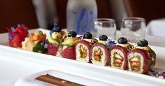 À voir la quantité des restos de sushis qui ont poussé depuis les 10 dernières années en ville, la popularité de ces rouleaux de riz, d'algues et une variété d'autres ingrédients savoureux n'est plus à faire. Maki, nigiri, sashimi, futo-maki et autres délices japonais sont maintenant dispos pour livraison ou pour emporter, peu importe le quartier où vous vous trouvez!