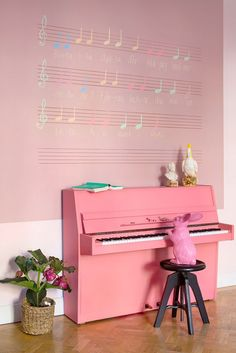 You need to check out Isabelle´s latest project. Along with 4 kids she has decorated this apartment in Stockholm, that is now for sale here! Like everything that Isabelle does this is fun, creative… Piano Art, Piano Room, Pink Piano, Painted Pianos, Baby Grand Pianos, Instruments, Studio Room, Colour Schemes, Palette