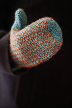 Ravelry: Kaisa-votter pattern by Marianne Braastad