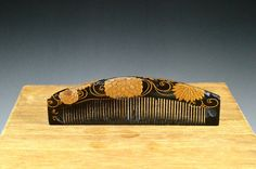 Japanese Gold Lacquer Hair Comb  Japanese Gold by JapaVintage