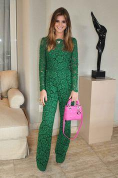 A combinação verde esmeralda e pink é uma das tendências do momento.   A Lala aderiu a moda.