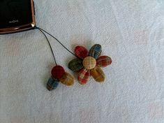 먼저 올린 다알리아 토트백에 지퍼 고리를 이뻐라~ 해주시는 분들이 많아 과정샷을 올려 봅니다. 처음으로 ... Orchidaceae, Textiles, Knots, Diy And Crafts, Crochet Necklace, Quilts, Earrings, Blog, Jewelry