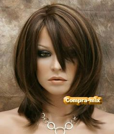 Afbeeldingsresultaat voor medium length hairstyles for square faces over 40 Mid Length Hair, Shoulder Length Hair, Medium Hair Styles, Short Hair Styles, Hair Cutting Techniques, Square Face Hairstyles, Shiny Hair, Brunette Hair, Layered Hair