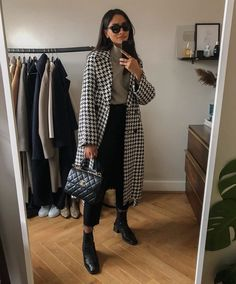 Discovered by Rosalie H. Find images and videos on We Heart It - the app to get lost in what you love. Winter Fashion Outfits, Fall Winter Outfits, Autumn Winter Fashion, Casual Outfits, Black Girl Fashion, Look Fashion, Street Fashion, Womens Fashion, Swag Fashion