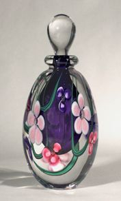 Hand blown art glass perfume bottles by Roger Gandelman. This artwork is perfect for glass collectors, craft , craft show lovers, shops, galleries. Blue Bottle, Bottle Art, Beautiful Perfume, Vintage Perfume Bottles, Hand Blown Glass, Glass Art, Decorative Glass, Floral, Pretty