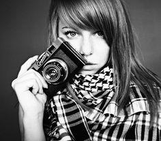 webstocker: atozfield: gkojax: myfavoritegirls: girlsandcameras: the photographer. Photography Camera, Photography Women, Amazing Photography, Photography Tips, Portrait Photo, Female Portrait, Photos Of Women, Girl Photos, Girls With Cameras