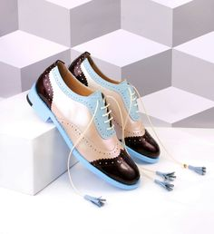 Burgundy, pearl and blue original ABO brogues Oxford Shoes Heels, Women Oxford Shoes, Flat Shoes, Casual Sneakers, Casual Shoes, Zara, Kinds Of Shoes, Sneaker Boots, Dream Shoes